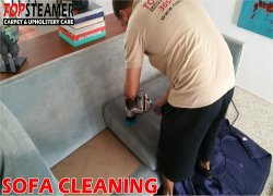 Top Steamer technician upholstery cleaning services in Miami.
